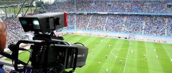 رسانه ملی حق پخش تلویزیونی بازیها را خرید ، فوتبال، جام جهانی و شروع یک ماه پر پول