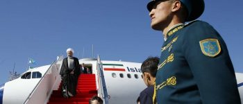 استقبال از روحانی در فرودگاه قزاقستان